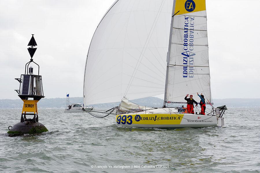 Alberto e EdiliziAcrobatica vincono la Mini Calvados(race 2) e arrivano secondi alla Mini Calvados (race 1).